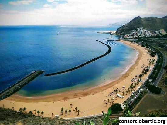 Playa de Las Teresitas, Wisata Pantai Pasir Putih di Tenerife, Spanyol